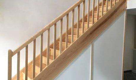 Création d'escalier en bois sur mesure à Jassans-riottier